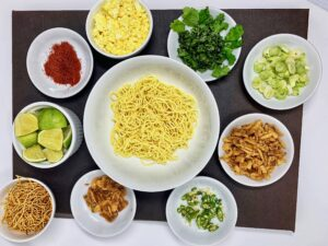Burmese Noodle Khau Sway toppings