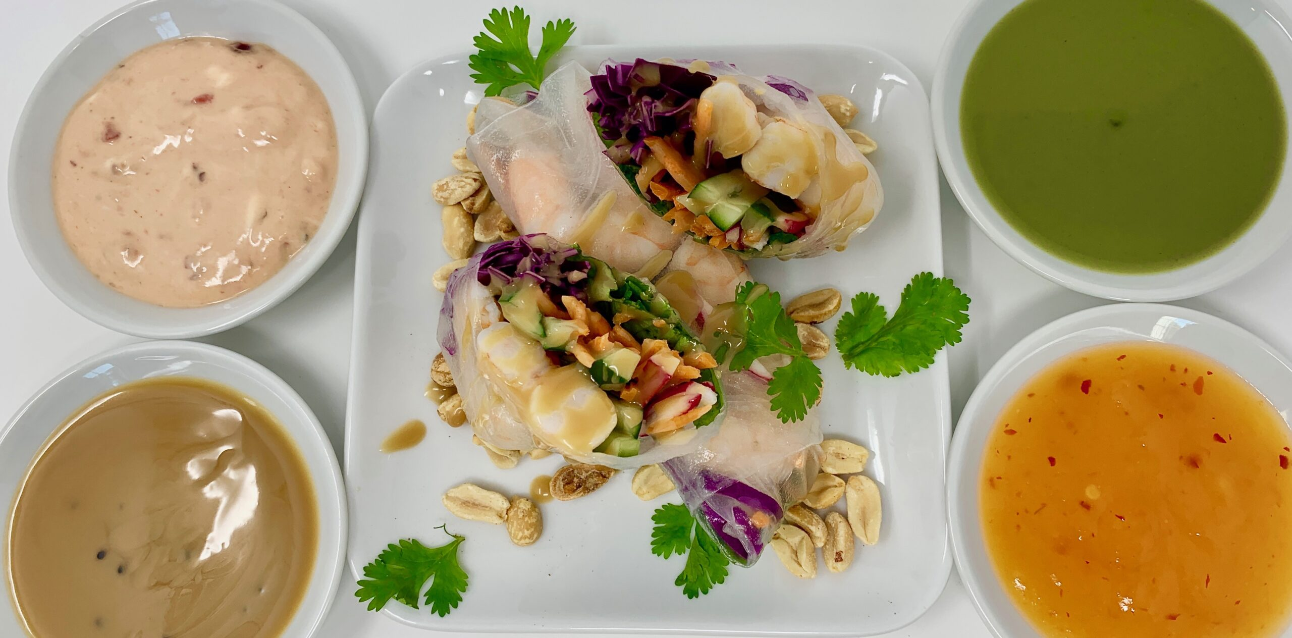 Vietnamese roll with Sauces